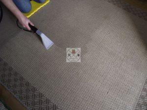 Różnica przed i po czyszczeniu dywanu